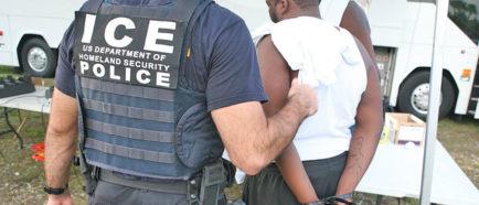 ICE arrestado deportaciones detenciones inmigrantes
