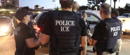 ice oficiales detenciones agentes