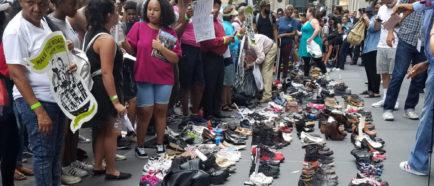 PROTESTAS FRENTE AL CHASE DE NUEVA YORK POR FINANCIAR CENTROS DE INMIGRACIÓN