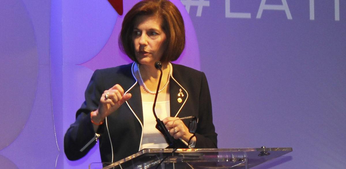 """Cortez Masto copatrocina legislación para proteger datos privados de los """"Dreamers"""""""