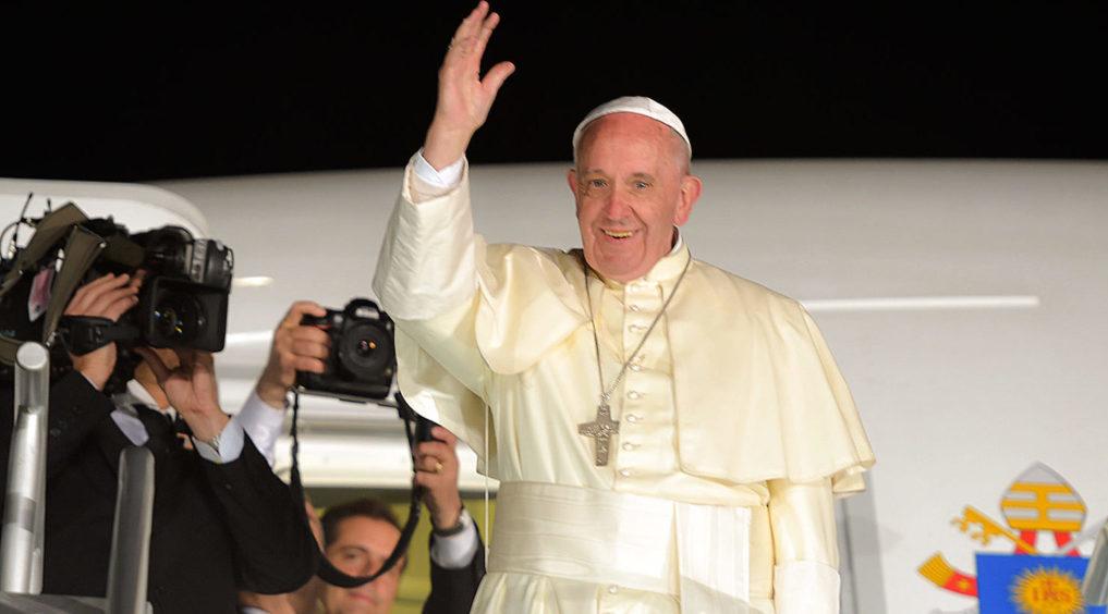 El papa dona 500.000 dólares para ayudar a los migrantes bloqueados en México
