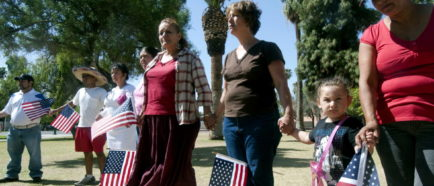 Grupos de derechos civiles anuncian demanda conjunta contra ley de Arizona