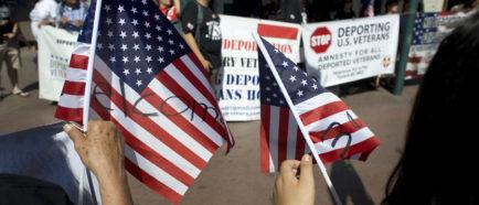 VETERANOS DEPORTADOS DEMANDAN AL GOBIERNO DE EE.UU. ATENCIÓN MÉDICA