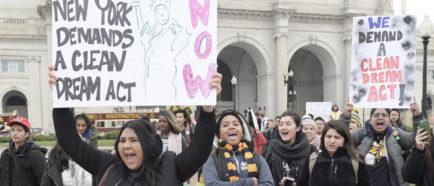 """Unos 7.900 """"soñadores"""" de EE.UU. ya han perdido la protección del plan DACA"""