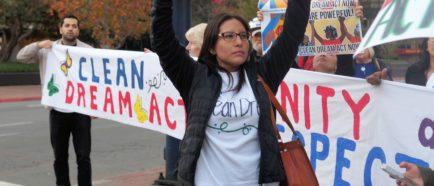 Dulce García en protesta