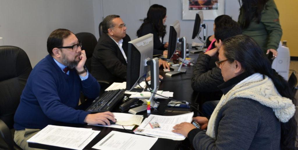 Inmigración.com TPS salvadoreños se aprestan a reinscribirse1