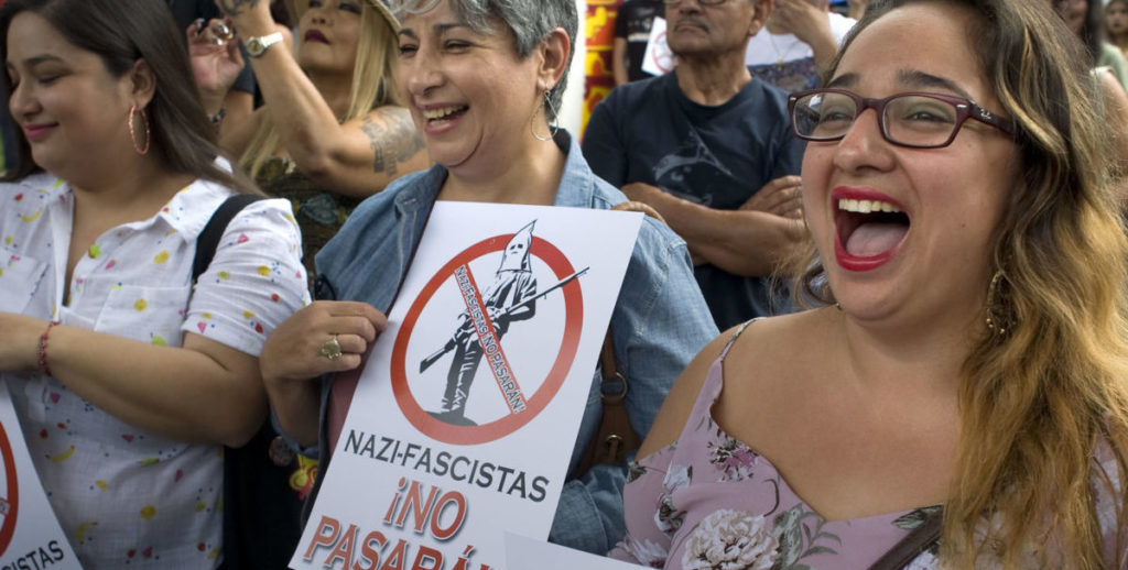 Comunidad hispana de San Diego defiende parque chicano de ultraderechistas