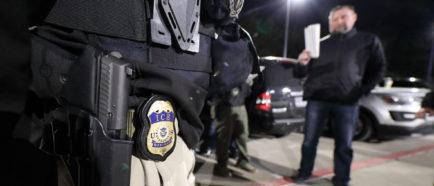 ice detenciones deportaciones oficiales policias