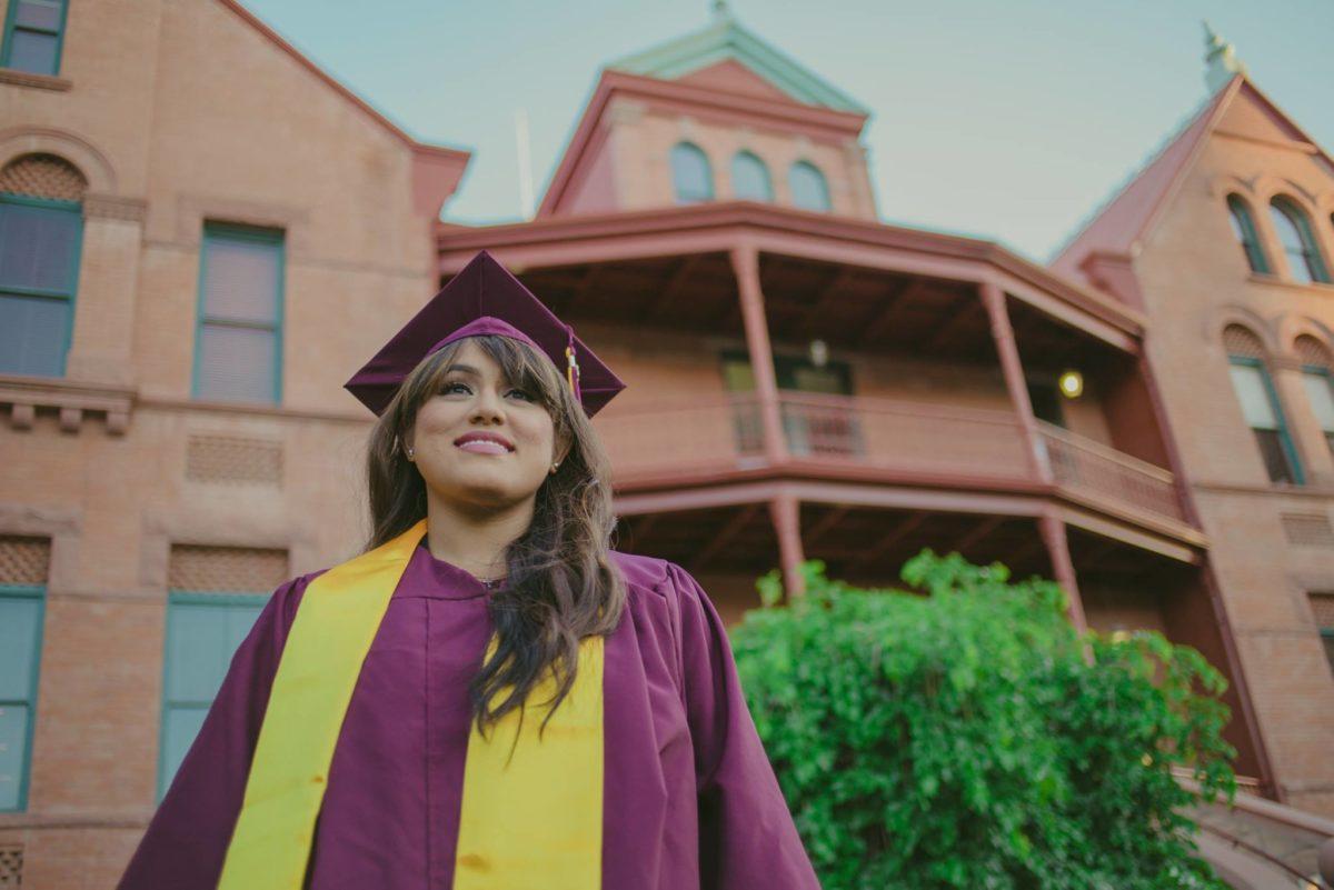 """""""Soñadora"""" en Arizona es nombrada Alumna de Estudios Sobresalientes en Justicia Social"""