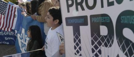Manifestantes por el TPS en DC