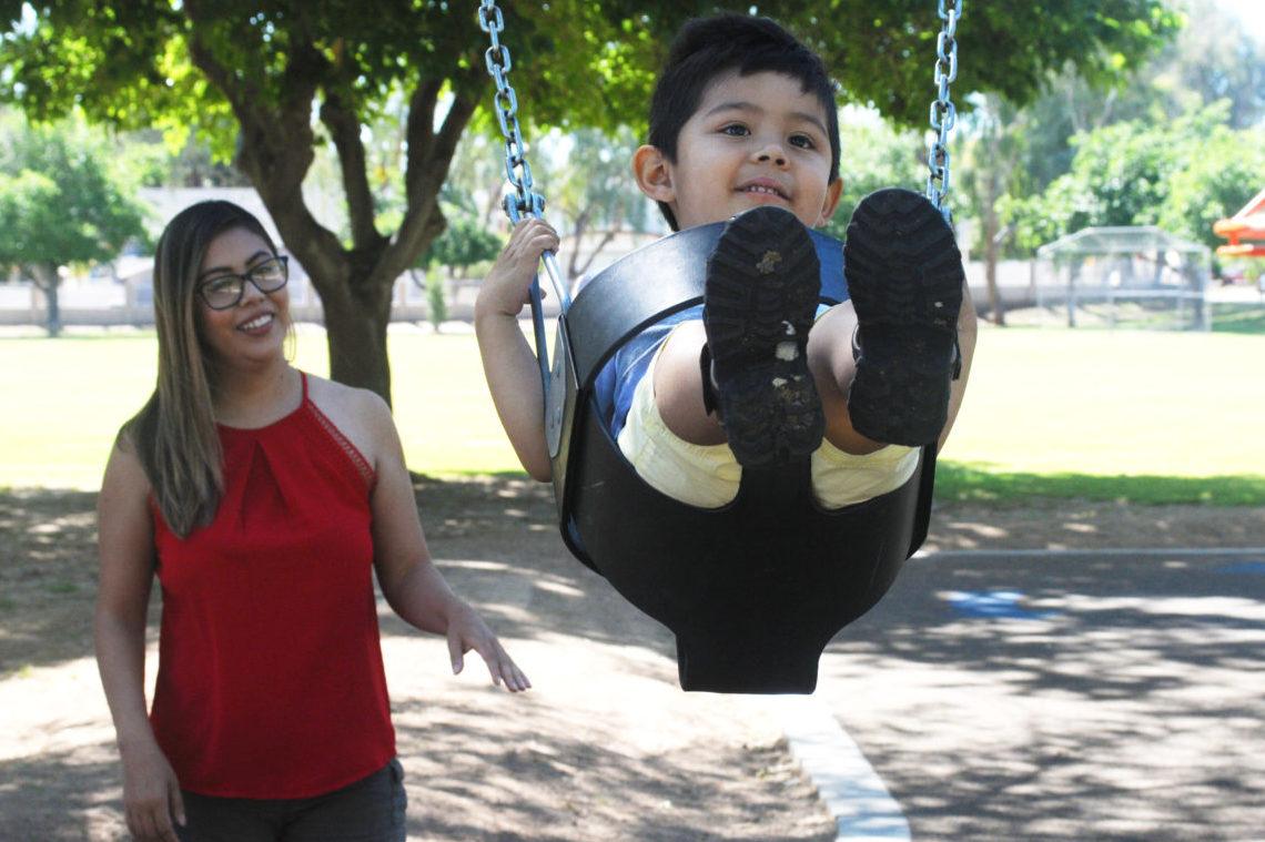 """""""Soñadora"""" combina la maternidad con el activismo"""