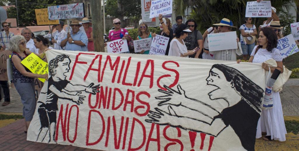 Activistas familias menores protestas