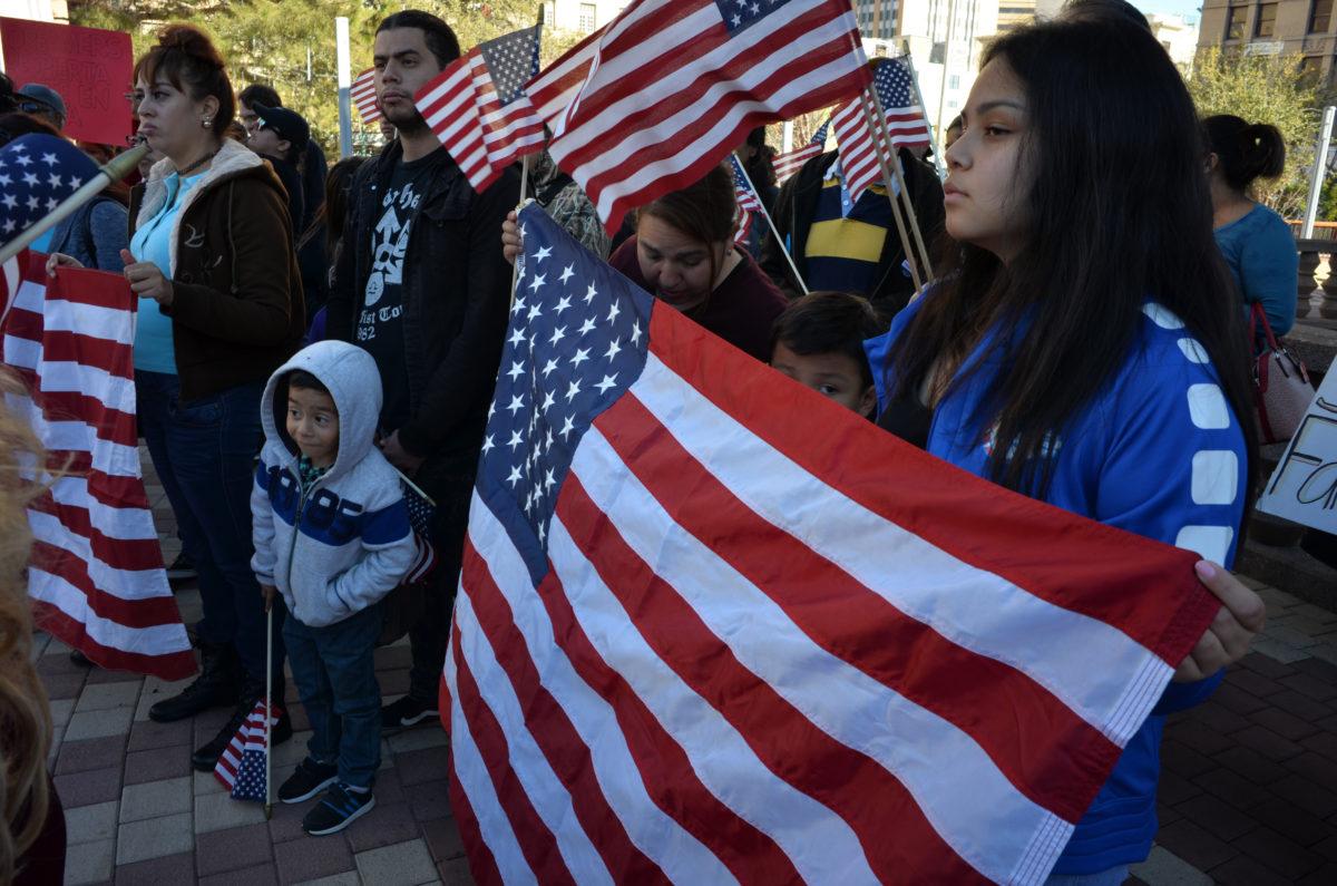 Congresistas demócratas abogan por defender DACA y TPS con mayoría en Cámara