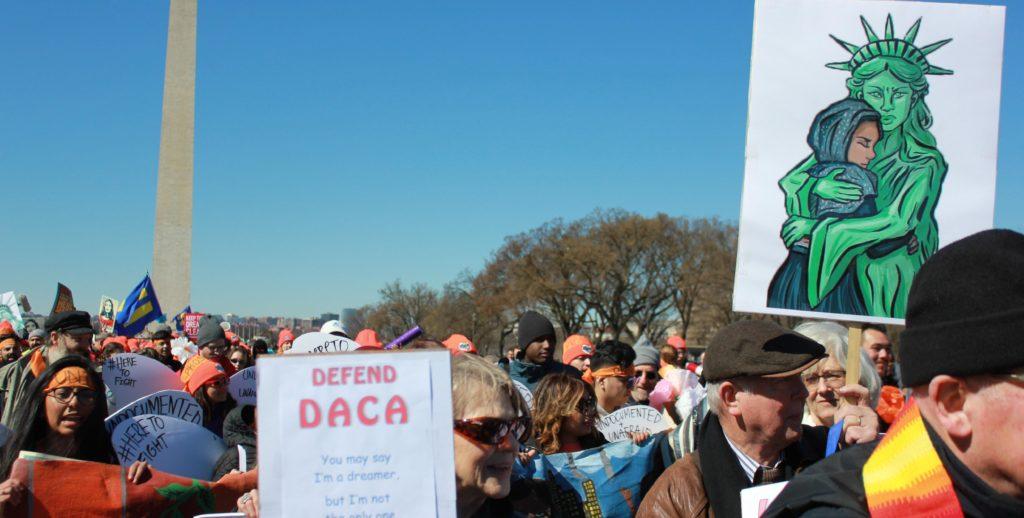 "Miles de manifestantes critican fracaso de Trump respecto a los ""soñadores"""