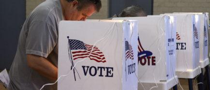 VOTACIÓN EN PACIFIC PALISADE, CALIFORNIA