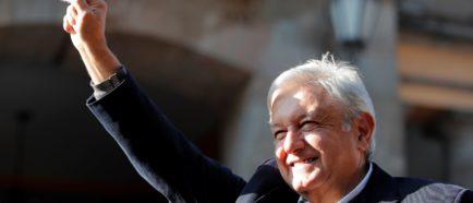 López Obrador ofrece ayuda a migrantes de la caravana en Tijuana