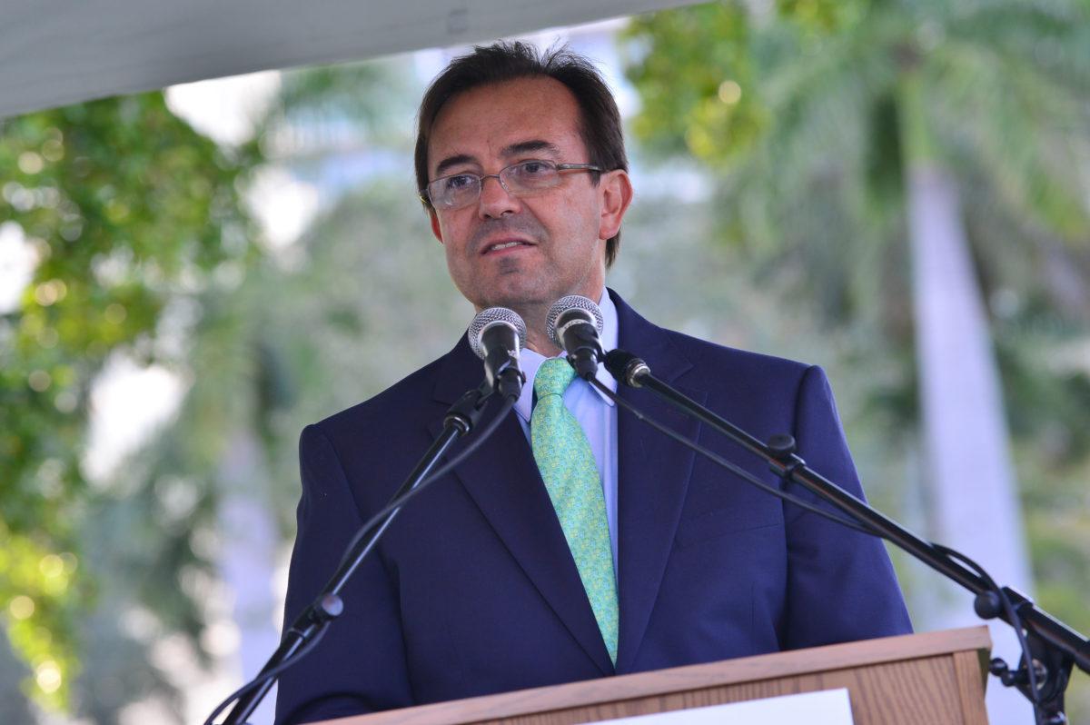 México aceptará solo asilados en proceso en EE.UU.