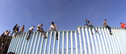 Migrantes centroamericanos alcanzan la frontera México-Estados Unidos