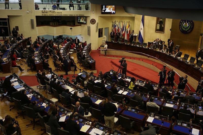 Diputados apoyarán a salvadoreños con TPS en cumbre de migrantes en EE.UU.