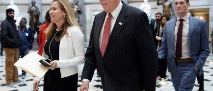 Nancy Pelosi sugiere posponer discurso sobre el Estado de la UniÛn de presidente Trump