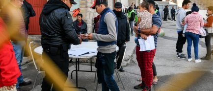 Autoridades reubican a 120 migrantes en ciudades del norte de MÈxico