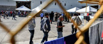 Migrantes buscan regularizar su estancia en México con una visa por razones humanitarias