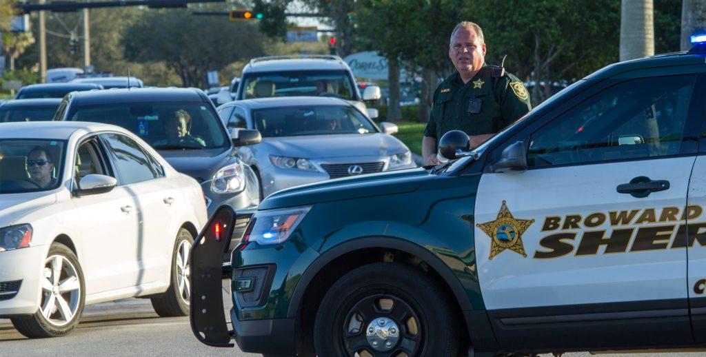 La PolicÌa identifica al autor del tiroteo en Florida como Nikolaus Cruz