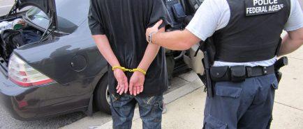 """EEUU ANUNCIA DETENCI""""N DE 2.901 INMIGRANTES DELINCUENTES EN LA ⁄LTIMA SEMANA"""