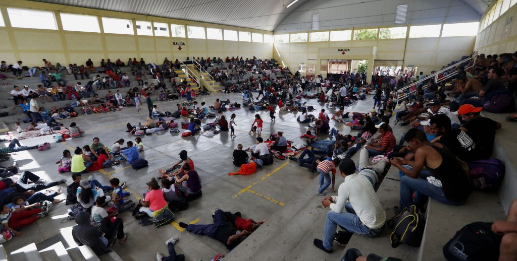Caravana hondureÒa de migrantes sigue en Guatemala y descansar· en Chiquimula