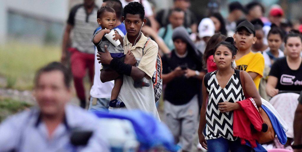 Caravana migrante sale de Honduras rumbo a la frontera de Agua Caliente