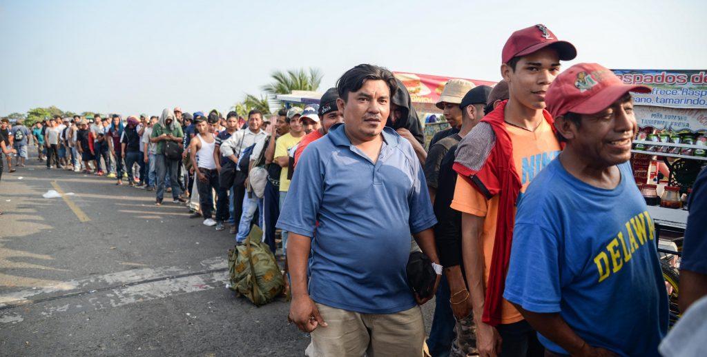 "MÈxico critica medida ""unilateral"" de devoluciÛn de migrantes de EE.UU."