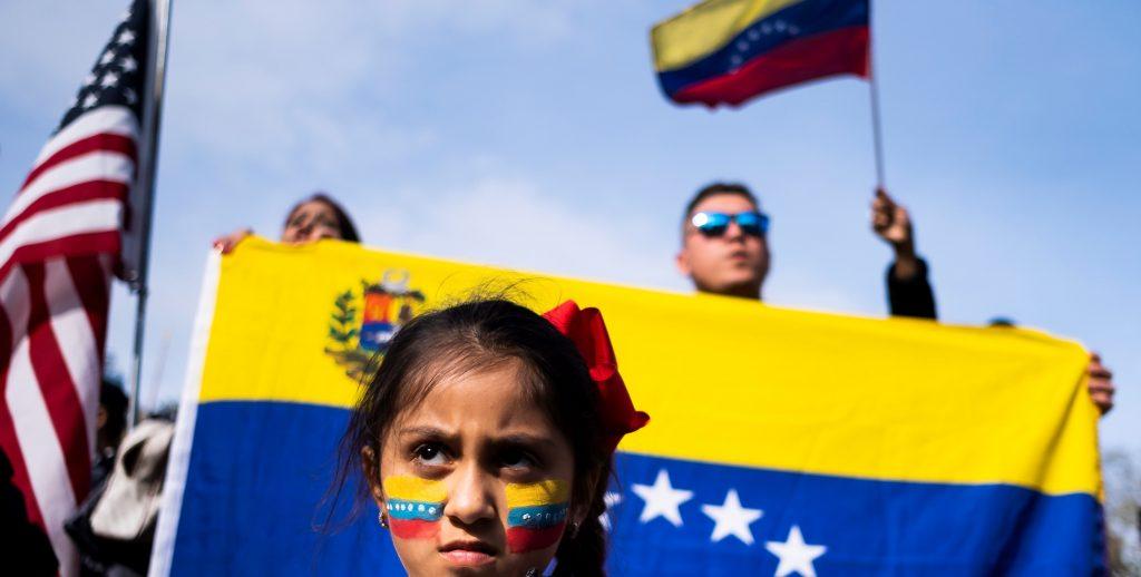 Venezolanos se manifiestan en Nueva York para apoyar a GuaidÛ y compatriotas