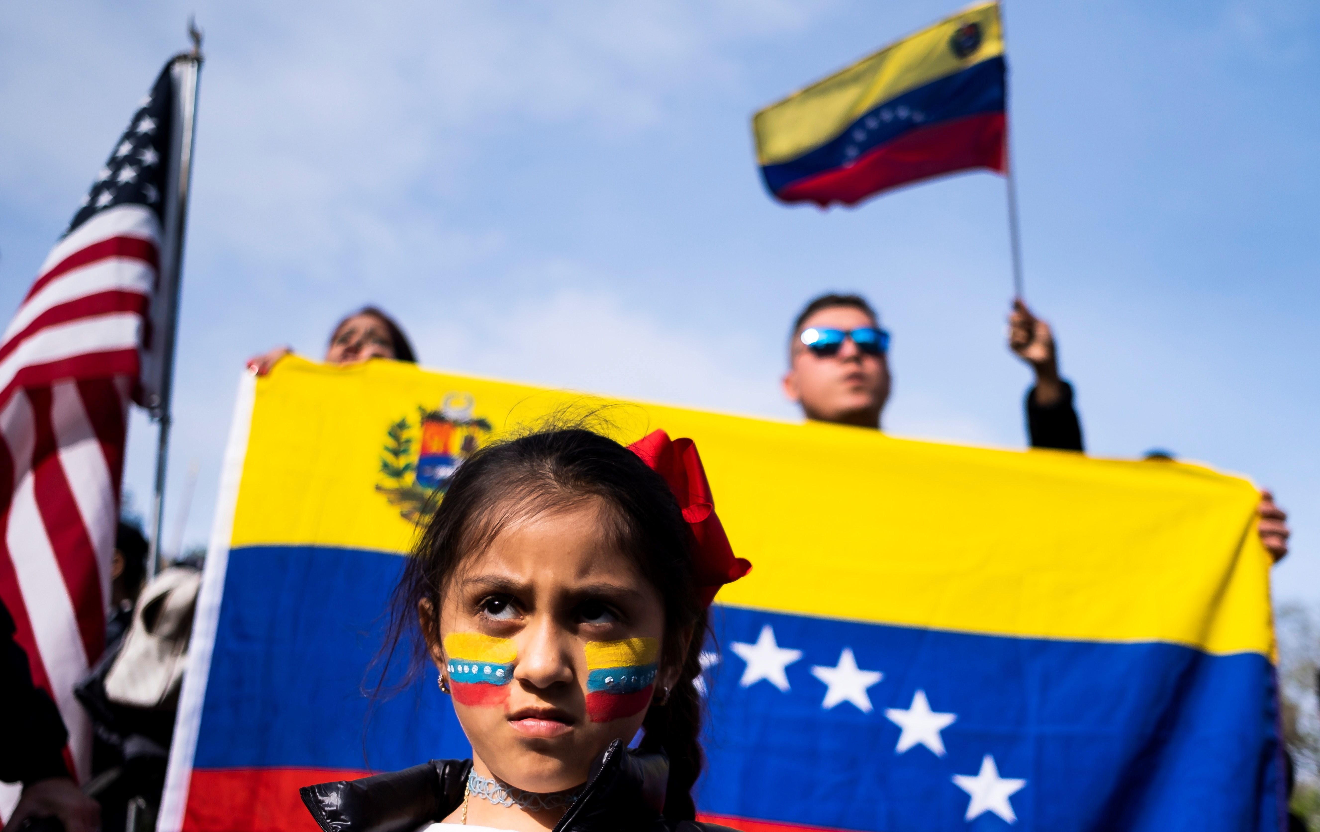 """Piden a Trump que no espere """"un día más"""" para dar un TPS a los venezolanos"""